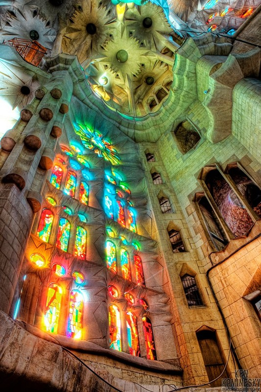 La Sagrada Familia, Barcelona, Spain. dans CHIESE sagrada-familia-barcelona-amazing-photo-hope-to-see-this-one-day