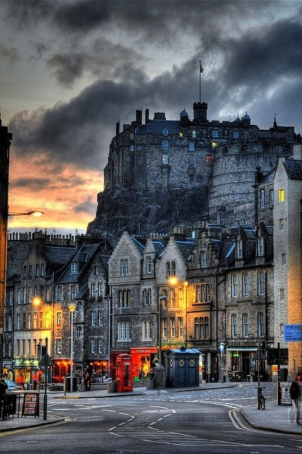 16Dusk, Edinburgh, Scotland