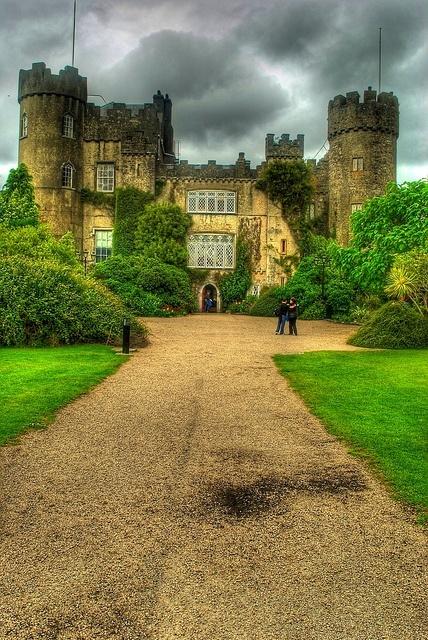 Grande Foto del Castello di Malahide in County Dublin Irlanda