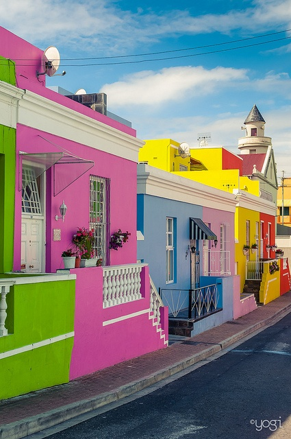 01Colorful houses in Bo-Kaap District, Cape Town, South Africa