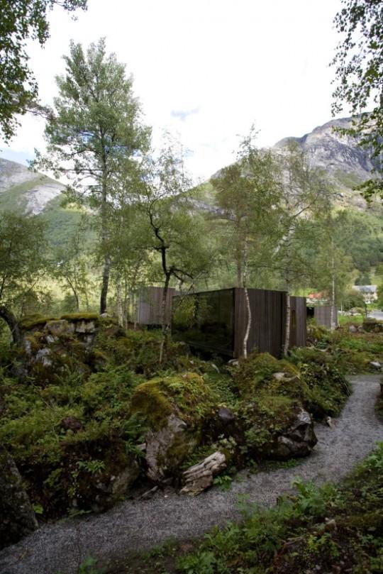 juvet_landscape_hotel_Jensen_Skodvin_arkitektkontor_00-550x824