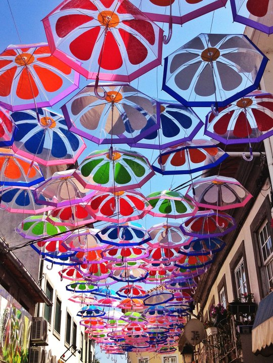 floating-umbrellas-agueda-portugal-2013-3
