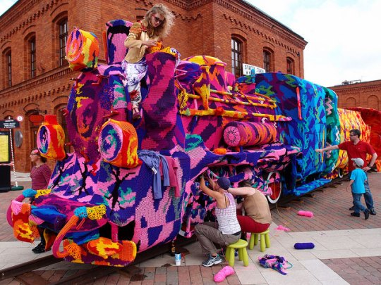 crocheted-locomotive-lodz-poland-by-artist-olek-9
