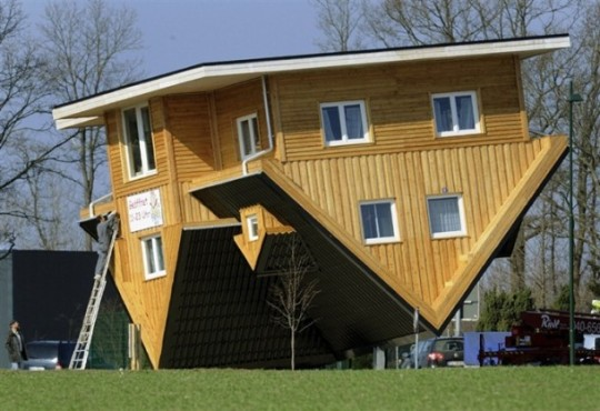 upside_down_house_Germany-4-610x418