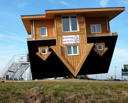 upside_down_house_Germany-8-610x488