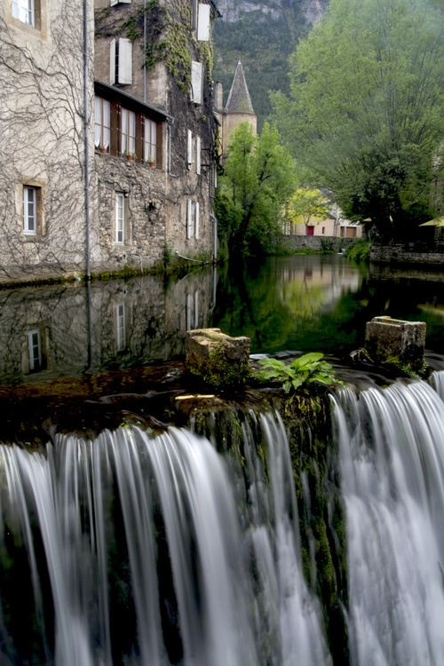 31Waterfall in Florac, France