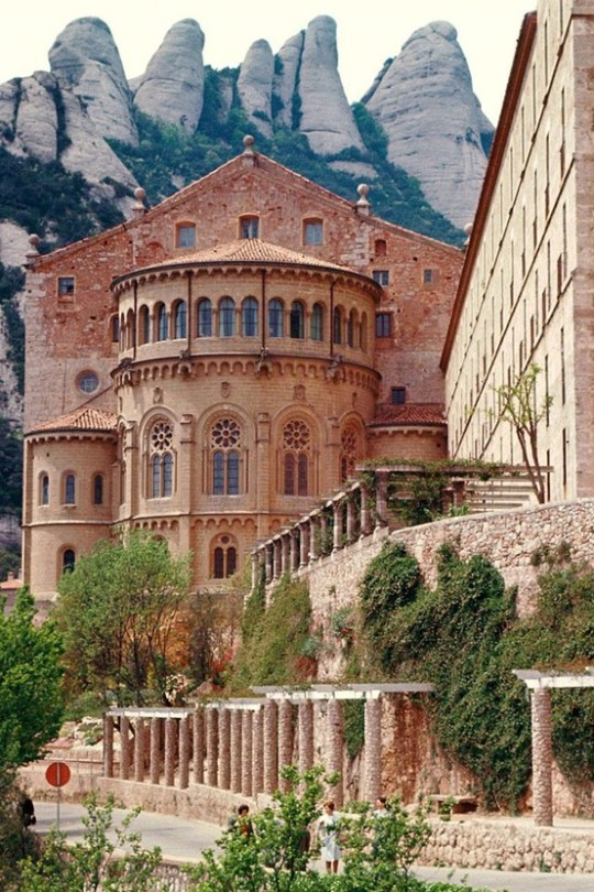 07Benedictine Monastery, Monserrat, Barcelona - Spain