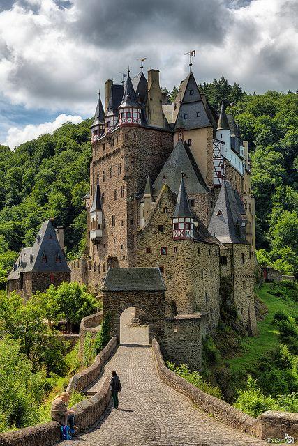 04medieval Castle Eltz, Moselle River between Koblenz and Trier, Germany