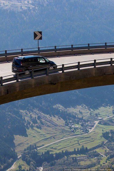 03Gotthard Pass in Switzerland
