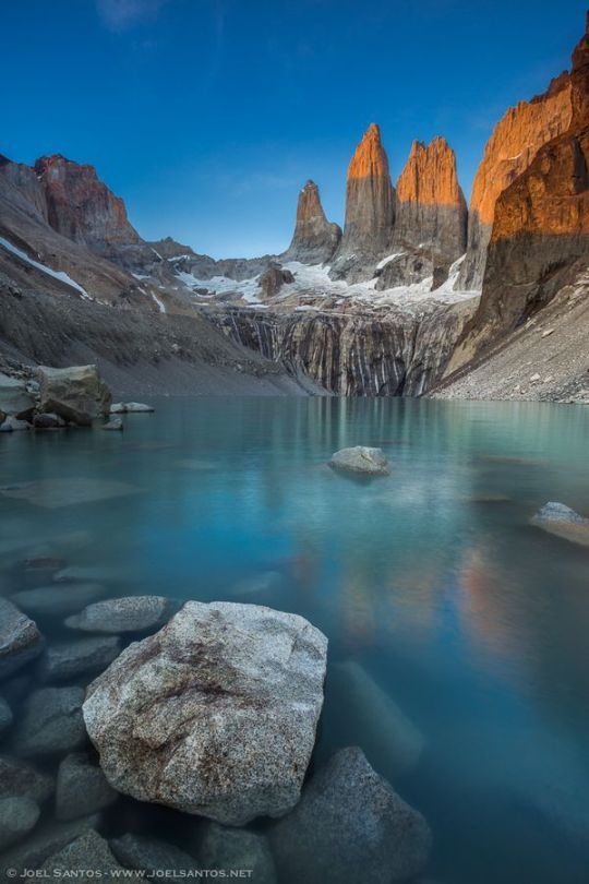 17Torres del Paine, Patagonia, Chile.