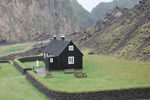 27Vestmann Island, Iceland
