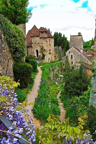 13Medieval village Saint-Cirq-Lapopie - France