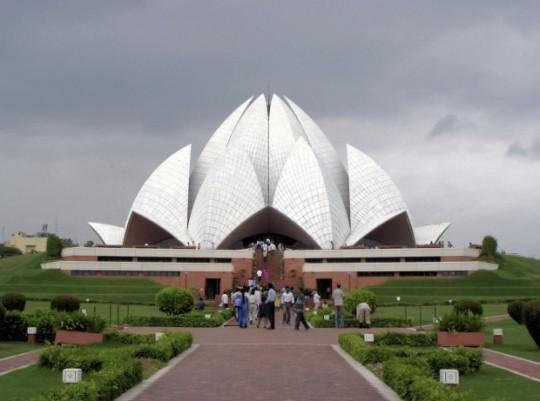 19Lotus-Temple-New-Delhi-India-620x461