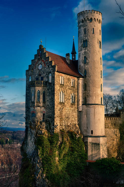 27Schloss Lichtenstein, Germany (by [ raymond ])