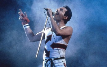 Freddie-Mercury_2442927b