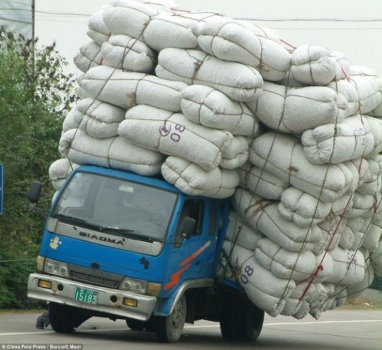 overloaded-vehicles-china-106-565x519