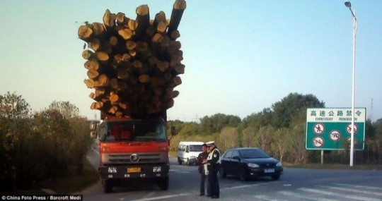 overloaded-vehicles-china-132-565x299