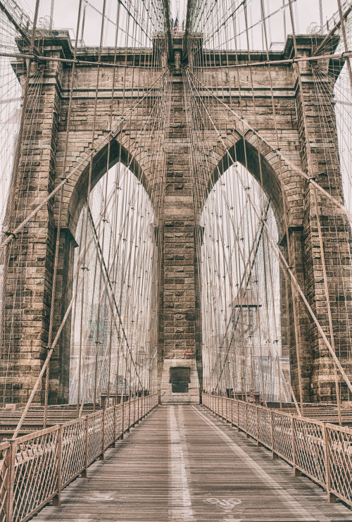 05Brooklyn Bridge - New York City - New York - USA (by Garen Meguerian