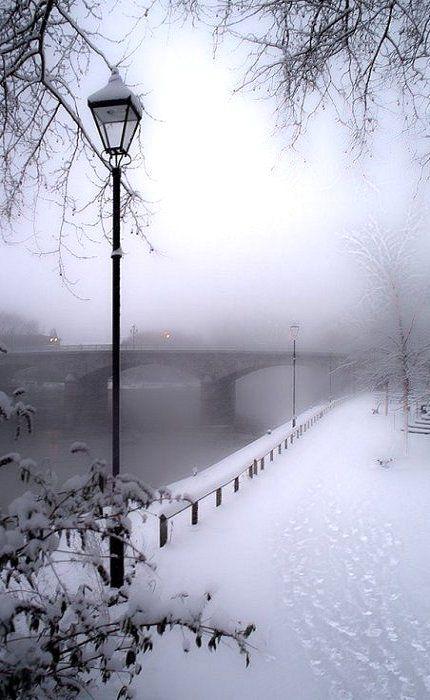 24Snowy day Paris