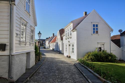16Stavanger, Norway (by Vins 64)